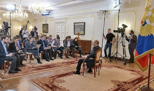 Vladimir_Putin_answered_journalists'_questions_on_the_situation_in_Ukraine_(2014-03-04)