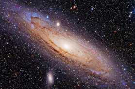 1280px-Andromeda_Galaxy_(with_h-alpha)_1