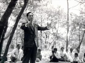 TF speaks outside 1960
