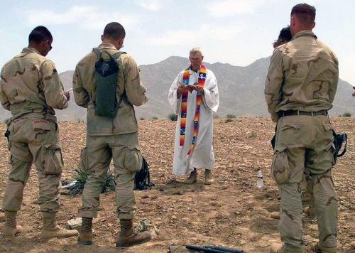 800px-US_Navy_040418-M-4657S-001_Battalion_Landing_Team_Chaplain,_Navy_Lt._John_Hoke,_holds_mass_for_several_Marines